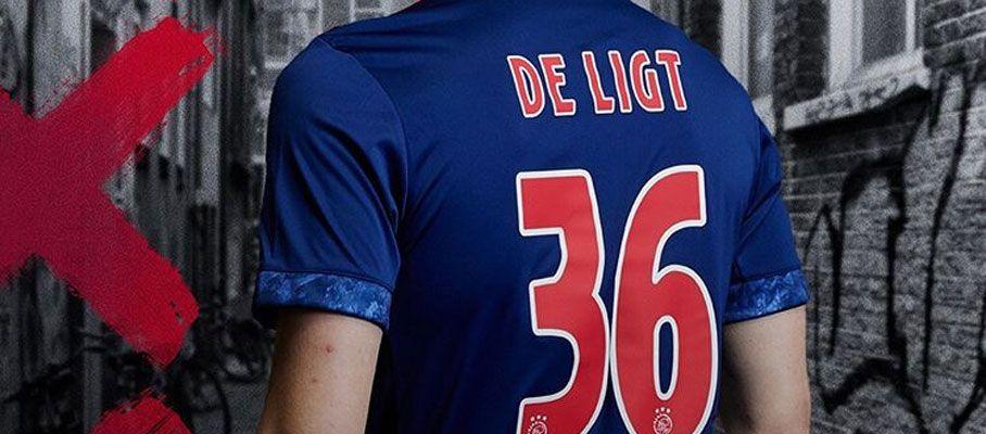 Ajax uitshirt 2017-2018 achterkant