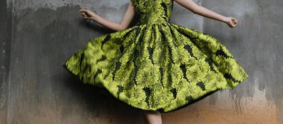 Couturetrends die zijn doorgedruppeld naar mainstream fashion